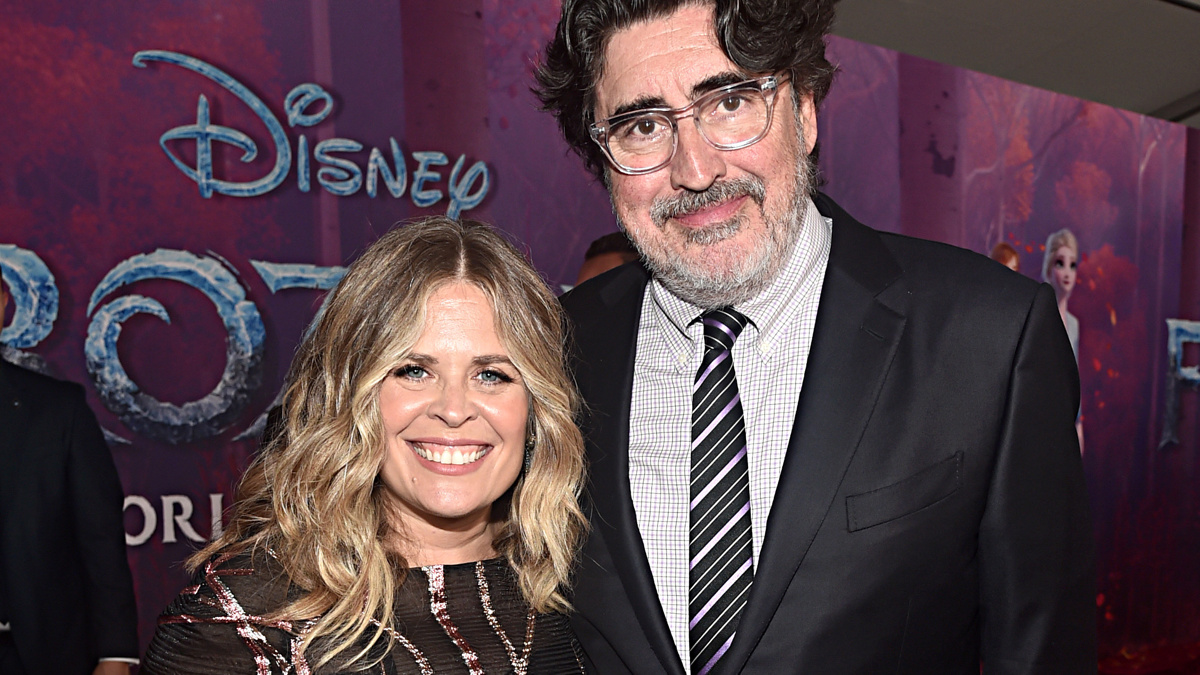 Jennifer Lee - Alfred Molina - 2019 - Photo by Alberto E. Rodriguez/Getty Images for Disne